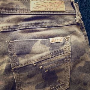 Seven For All Mankind Camo ankle pants